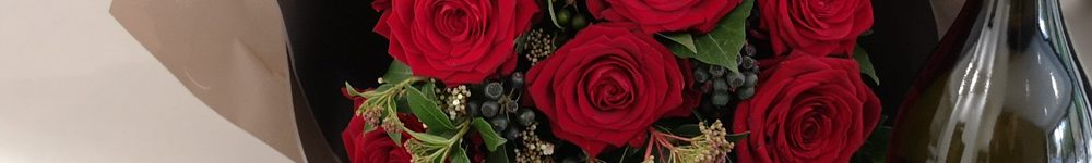 Classic Red Rose Hand-tied Gift Set
