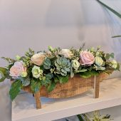 Signature Pretty Rose & Lisianthus Arrangement
